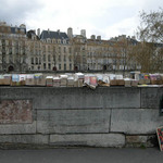 Seine Books